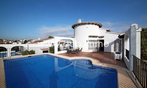 For sale  Single storey villa with 3 bedrooms and private pool in Monte Pego