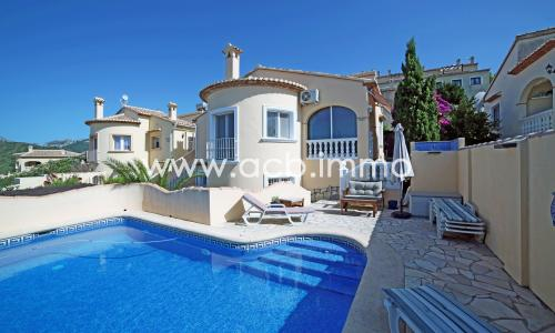For sale  Charming villa with separate studio, private pool and sea view