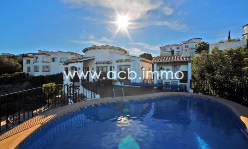 For sale  4 bedroom villa with pool and sea view in Monte Pego