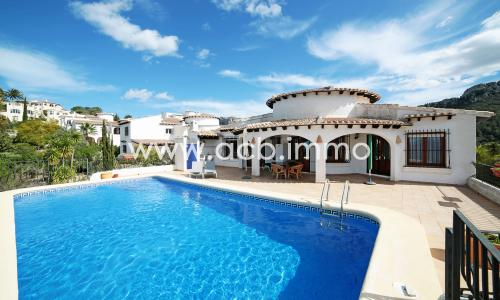For sale 3 bedroom villa with pool and sea view in Monte Pego