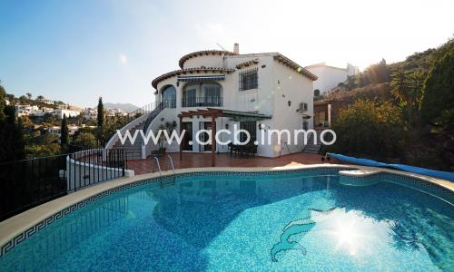 For sale Beautiful 4 bedroom villa with fantastic sea view