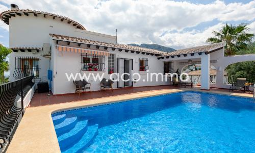 For sale 5 bedroom villa with seaview in Monte Pego