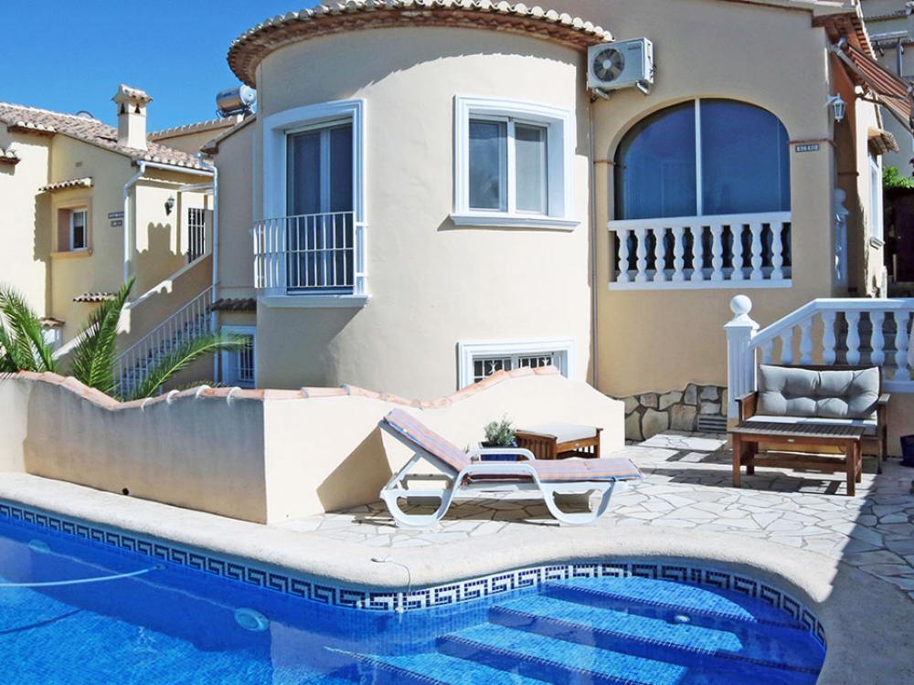 acb.immo - Charmante villa avec studio séparé, piscine et vue mer à Rafol d'Almunia, Denia